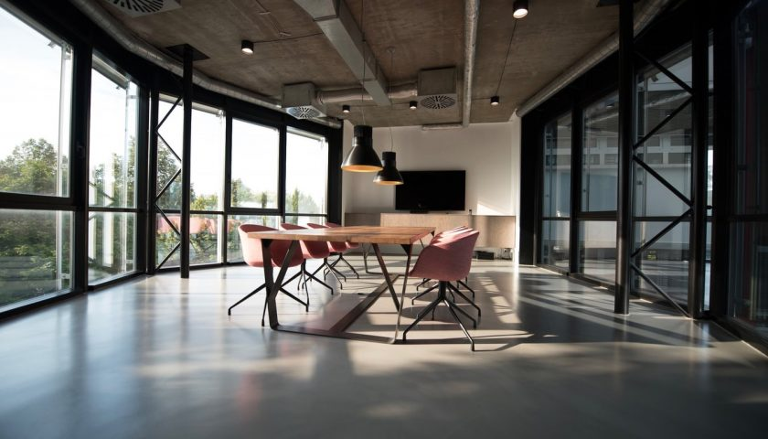 okt1 1 840x480 - Har I styr på akustikken på din arbejdsplads?
