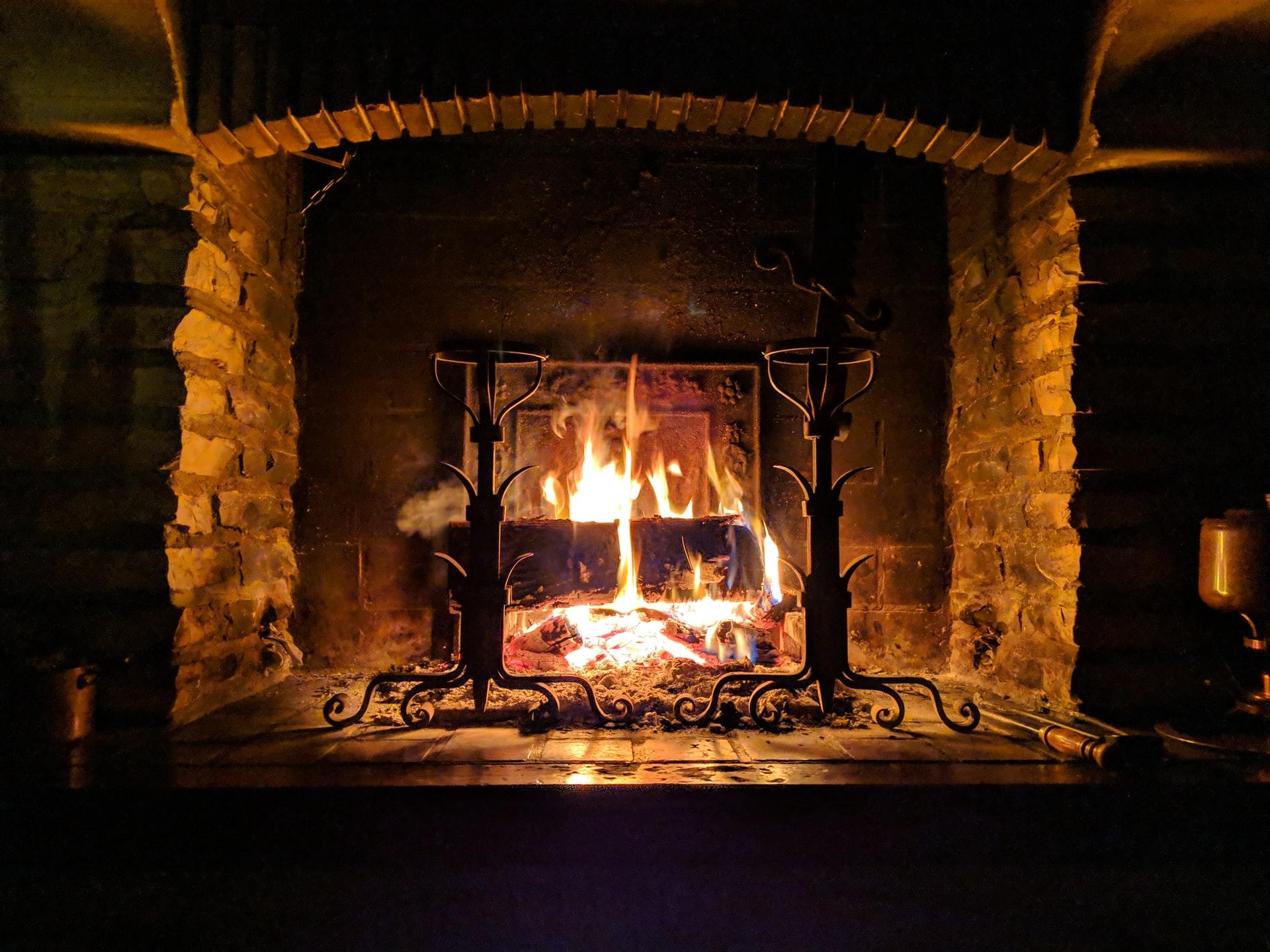 stephane juban DI8Bf6K1134 unsplash - Hold varmen med en miljøvenlig varmekilde