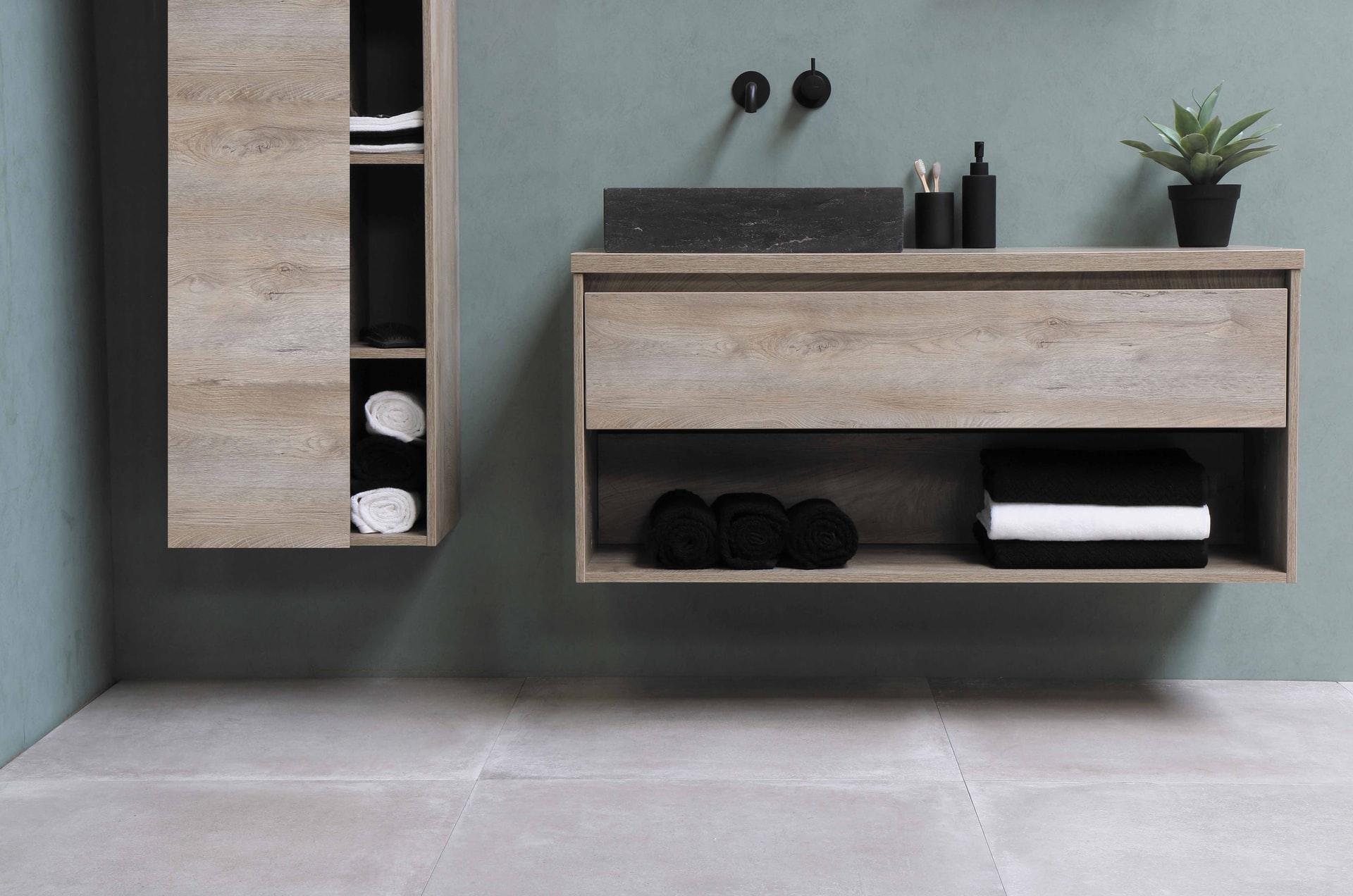 sanibell bv lED9KZIpm w unsplash - Det svære valg af baderumsmøbler